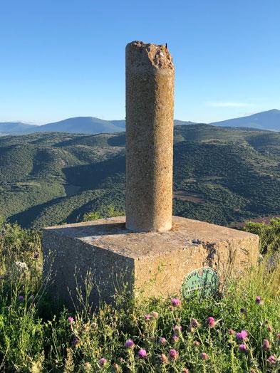 imagen desde el alto de la cocuta con su hito topográfico