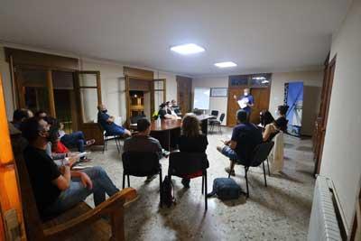 sesión teórica del taller de fotografía nocturna de malanquilla